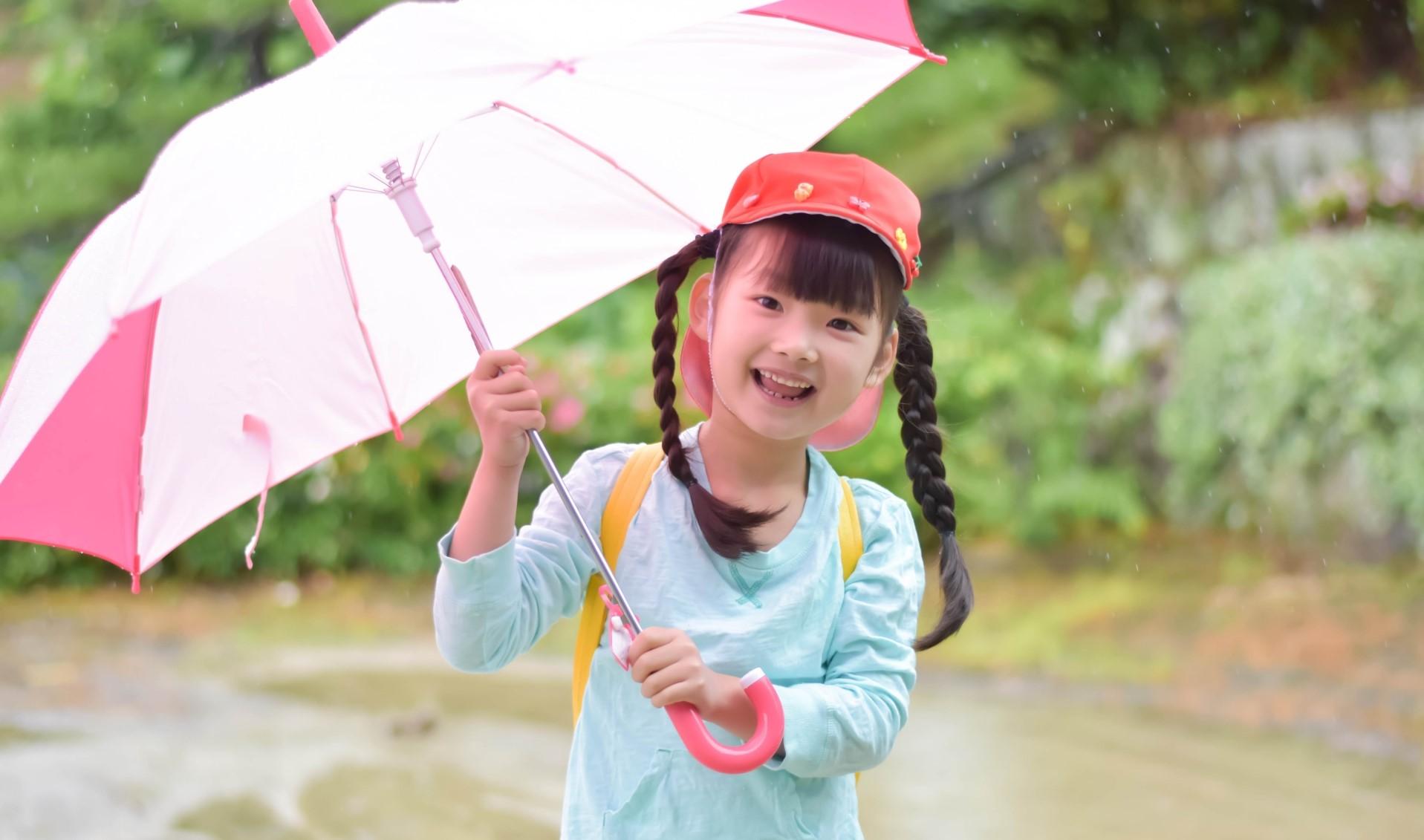 【あした、親子で読みたい本】雨の日も楽しくなる 梅雨の時期に読みたい本3選
